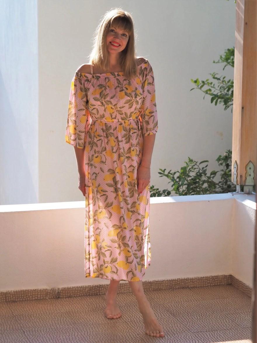 holiday outfits: lemon print dress