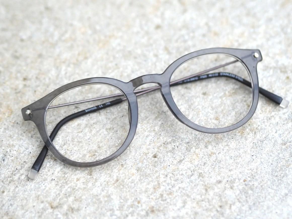 Gray translucent preppy eyewear