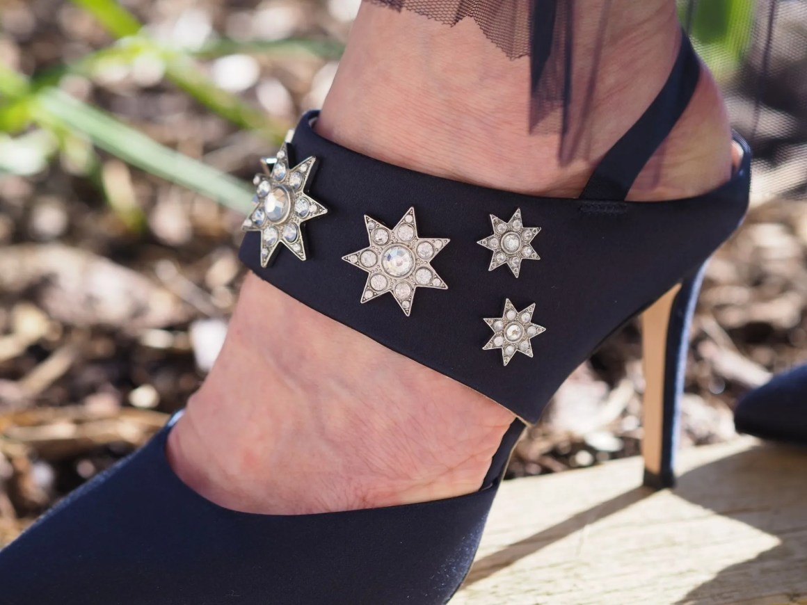 silk shoes with star detail