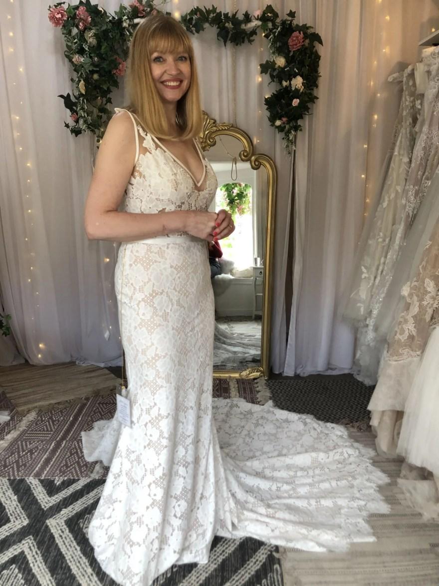 straight lace wedding dress