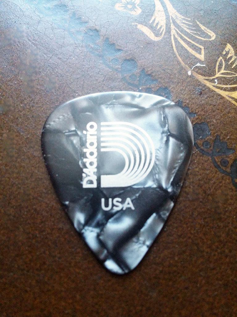 D'Addario Assorted Pearl Celluloid Guitar Picks, 25 pack, Medium