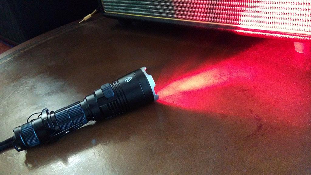 NiteCore MH27UV 1000 Lumens Flashlight