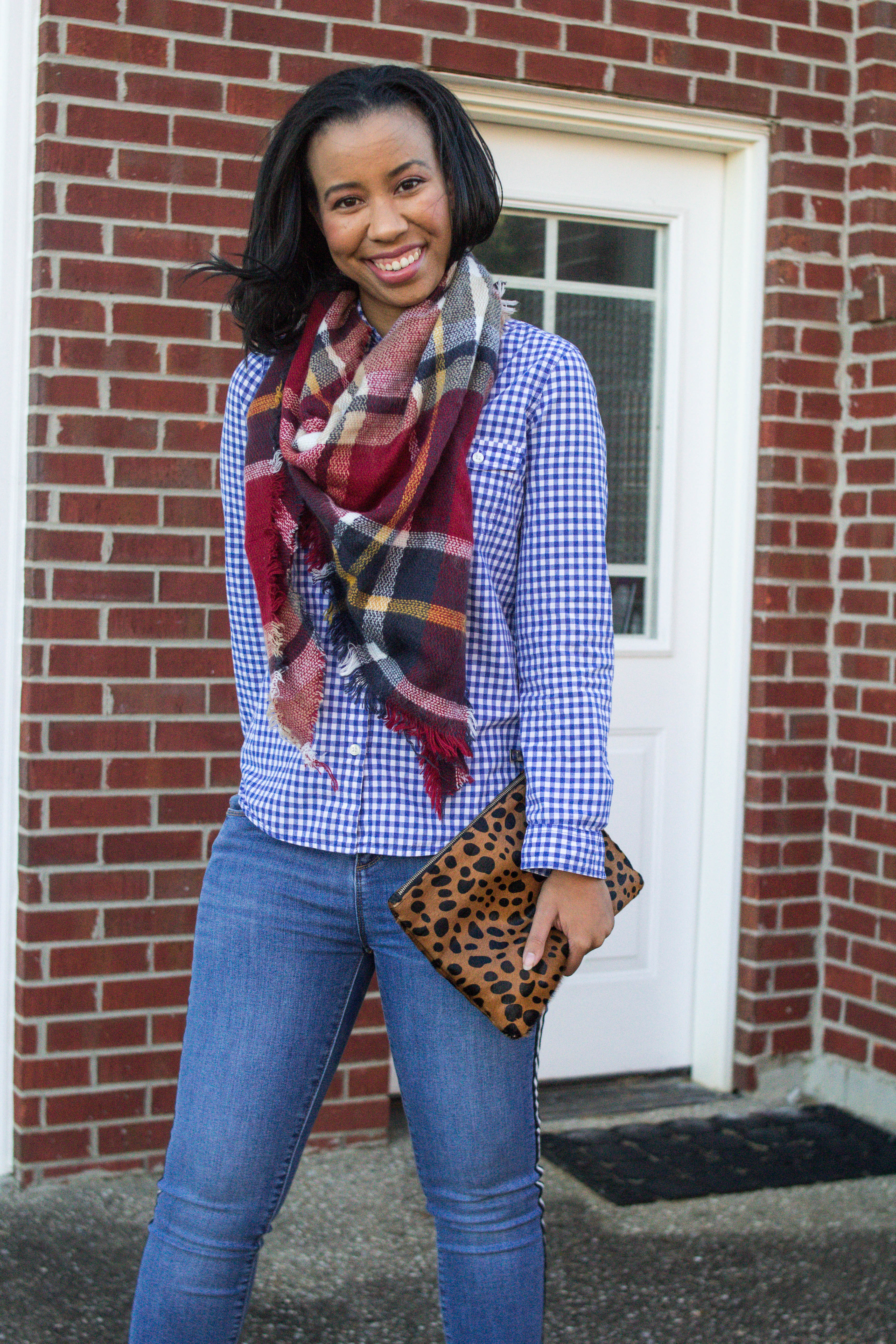 Louisville blogger, What Nicole Wore, shows how to take ten wardrobe staples and create twenty fall outfits with a fall capsule wardrobe. // capsule wardrobe ideas, closet remix fall, gingham shirt outfits, button up shirt ideas, button down shirt outfit inspiration, blanket scarf tutorial