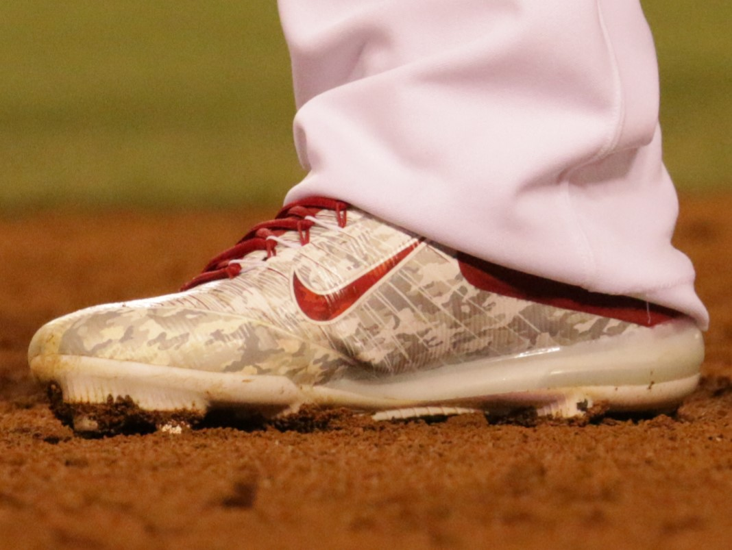 What Pros Wear Mike Trouts Nike Zoom Trout 3 Cleats What