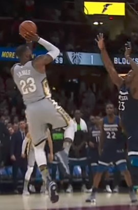42fb11860 LeBron James Hits Turnaround Winner After Ridiculous Block in Lebron 15  Shoes. FOLLOW WHAT PROS WEAR
