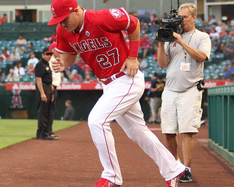 1c74afcab1c2 What Pros Wear: Mike Trout's Nike Force Zoom Trout 4 Cleats - What ...