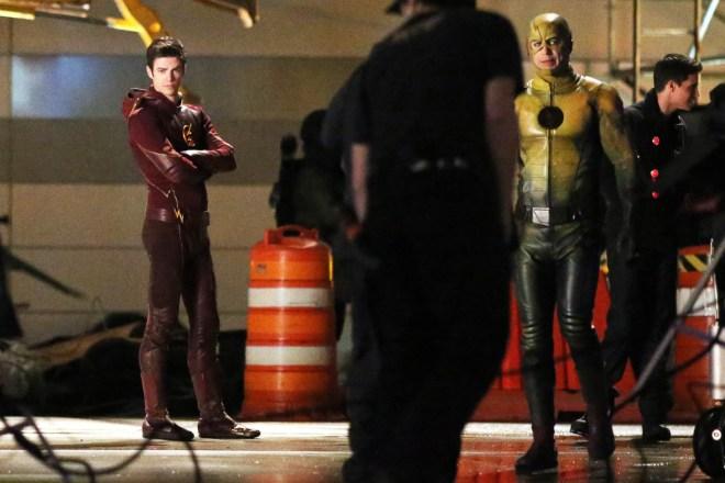 the-flash-season-finale-arrow-crossover (4)