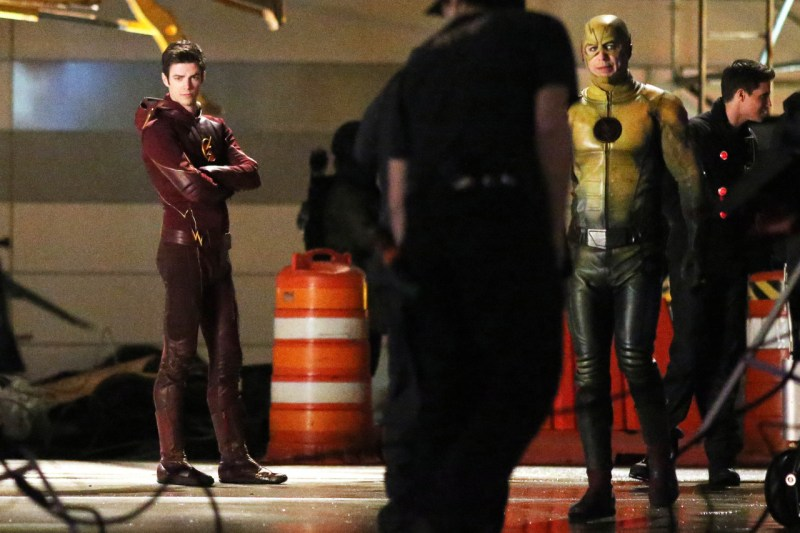 the-flash-season-finale-arrow-crossover (4)