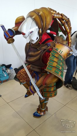 Joining OzineFest 2016 as Yoshimitsu, this cosplayer never ceases to impress ! Sorry for making you stand on one leg :P fb.com/daomeng.suhgat