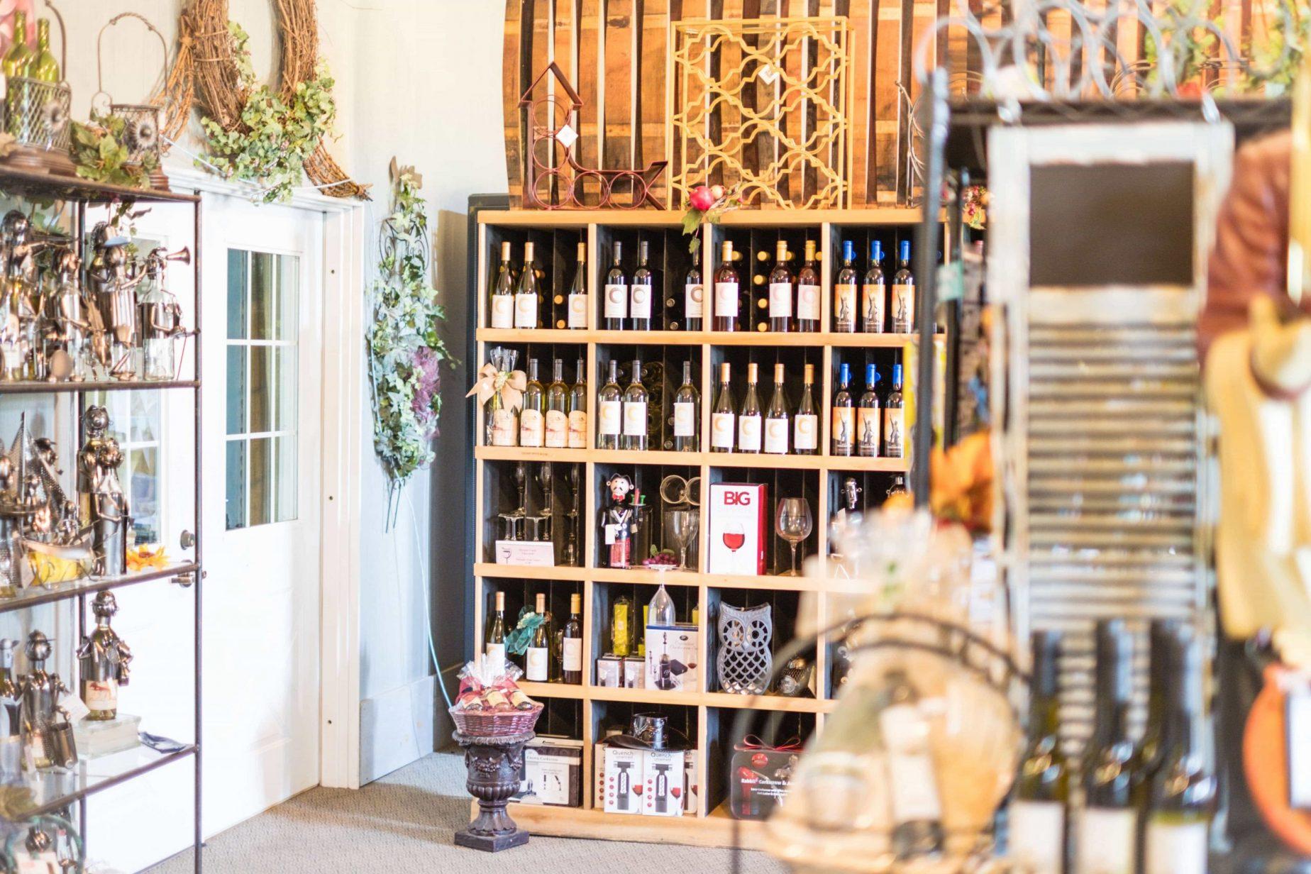 Morgan Creek Winery - Is This Alabama Winery Worth The Trip? #whatsavvysaid #winery #travel #morgancreekwinery #wheresavvywent #visitalabama #vineyard #falldecor #winetasting