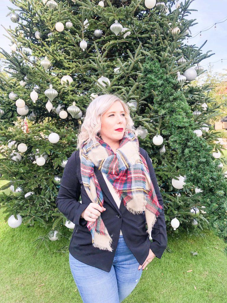 5 Wardrobe Staples Everyone Need In Their Closet #whatsavvysaid #fallfashion #winterfashion#wardrobestaples #christmastree #nudeheels #blazer #festivescarf #redlip