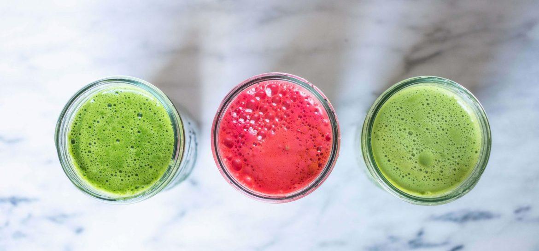 3 JUICE RECIPES TO JUMPSTART YOUR MORNING #whatsavvysaid #morningroutine #morningjuice #juicecleanse #juicejanuary #kitchensinkjuice #organicveggies #cucumber #ginger #veganbreakfast
