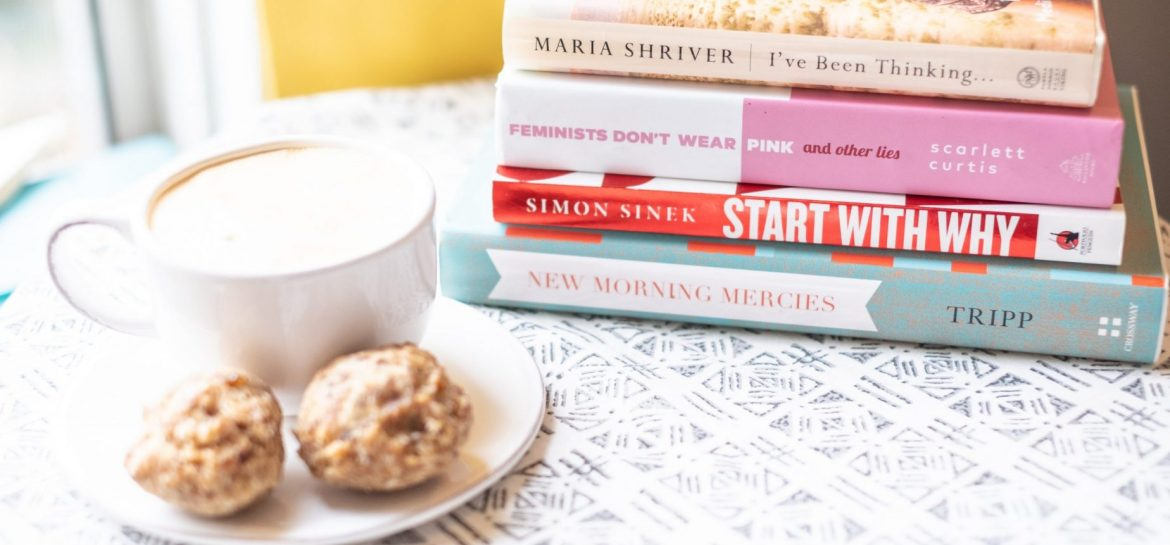 5 Books To Start Your Day Off Right #whatsavvysaid #morningroutine #bookworm #startyourdayright #latte #proteinball #ivebeenthinking #successfulpeople #healthyhabits #goodmorning