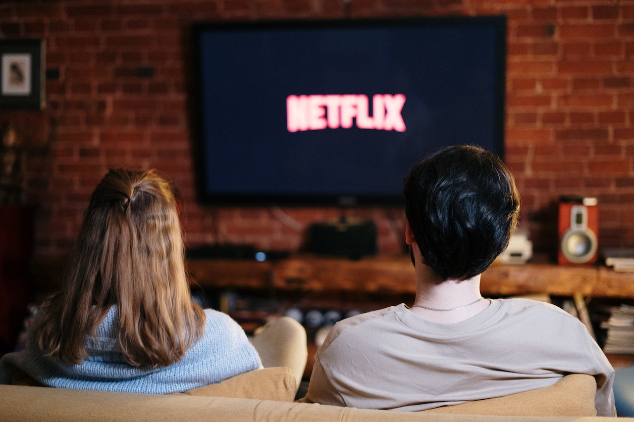 10 Netflix Movies For Couples To Watch – Whats Da Latest