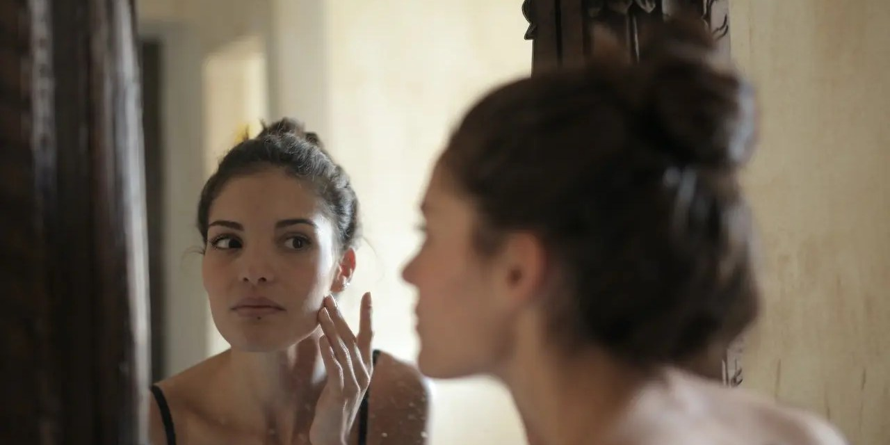 10 Ways To Get Rid Of Acne Completely