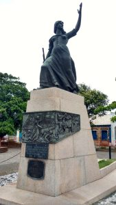 Anita Garibaldi statue Laguna