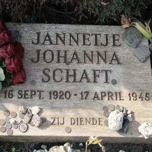 Hannie Schaft's gravestsone reads Jannetje Johanna Schaft, 16 Sept 1920 - 17 April 1946