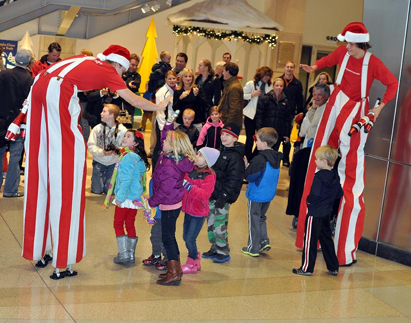 Holiday festive entertainment at Celebration Crossing #IMSCelebration