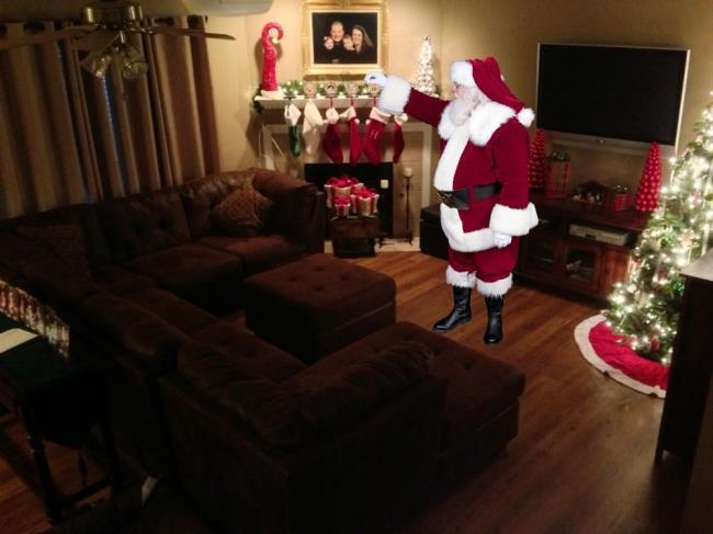 icaughtsanta - stuffing the stockings
