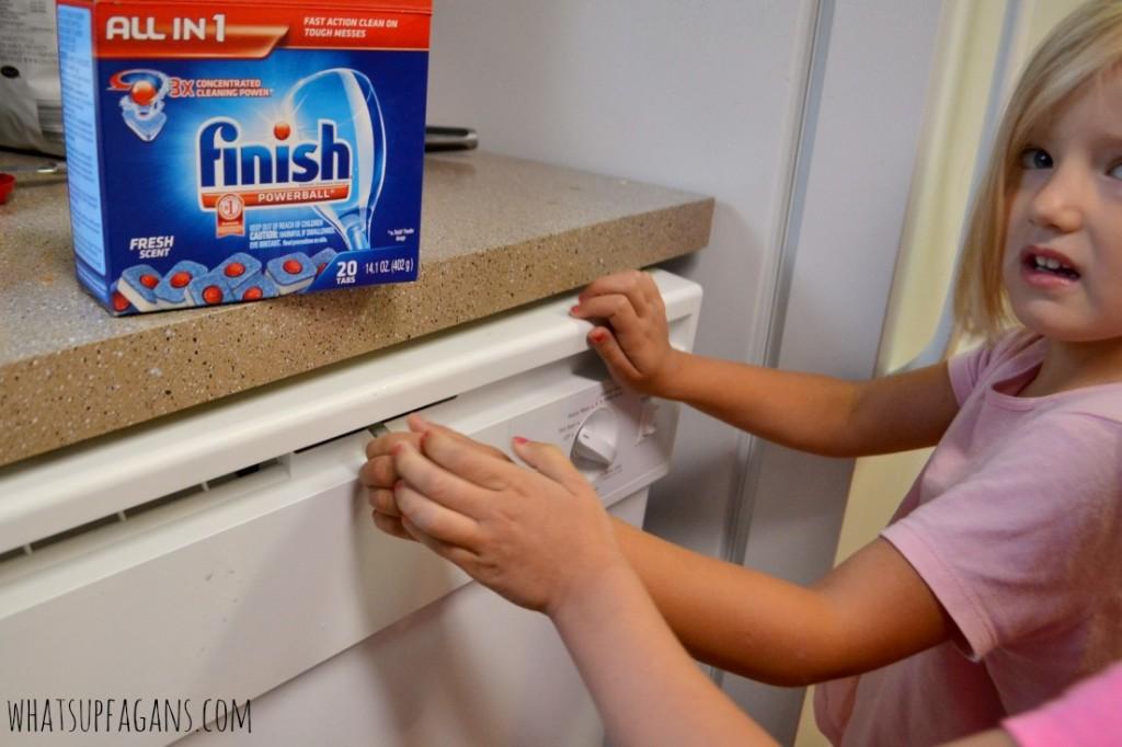 Finish Dishwasher detergent - teaching kids to run the dishwasher