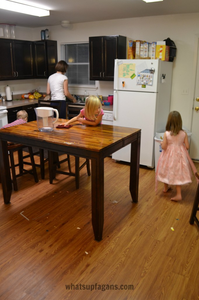 Cleaning Messy Kitchen as a Family - A smart way to #CleanForTheHolidays #cbias #ad