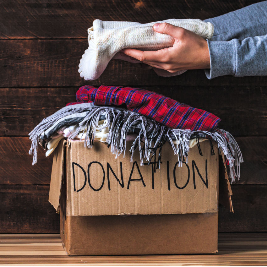 how to move across the country for cheap - make sure you donate items, sell items, and don't pay to move as much cross country