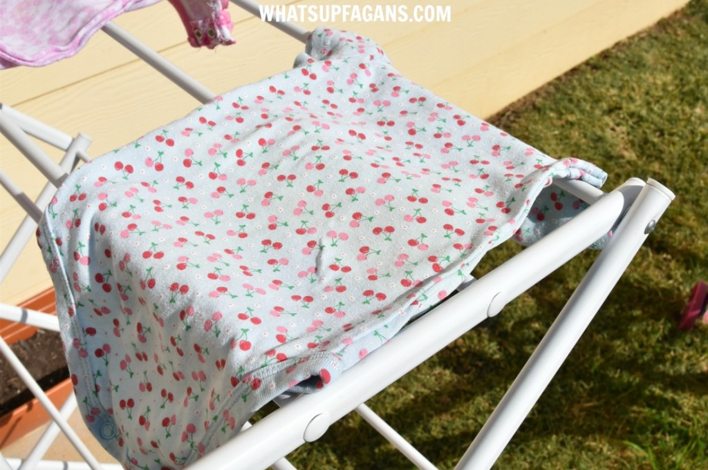 DIY green free laundry stain removal method for baby poop stains - use the sun and a little lemon juice (if needed).
