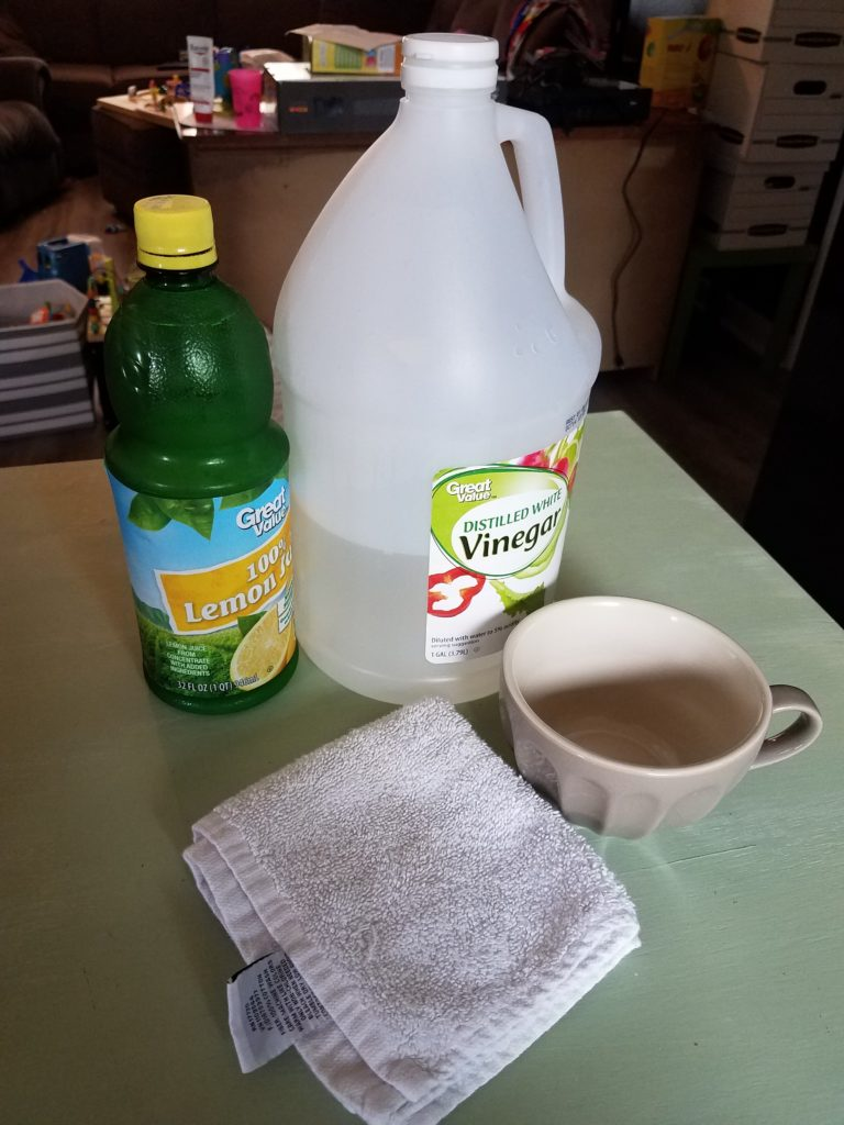 supplies needed to clean microwave with vinegar and lemon