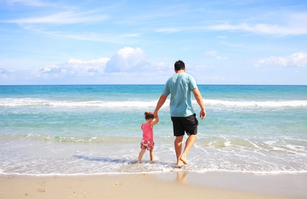 what to pack for a trip to the beach with toddler - checklist - packing list - day trip to beach