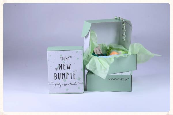 Bumpte maternity clothes subscription box