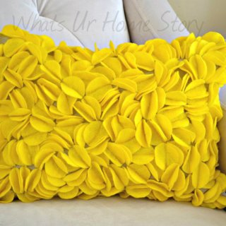DIY Felt Circles Pillow, Yellow Pillow, DIY Felt circle pillow