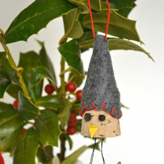 Whats Ur Home Story: Bird Wine Cork Ornaments, handmade christmas ornament, DIY ornament, wine cork diy