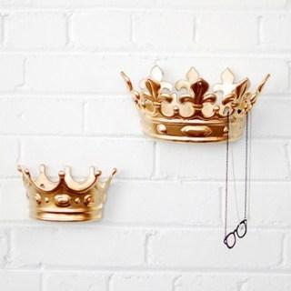 queen wall hook