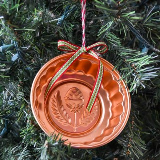 Vintage jello mold ornament Whats Ur Home Story