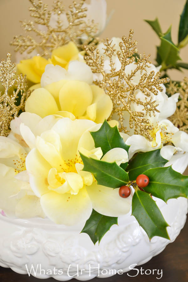 DIY Holiday Flower Arrangement
