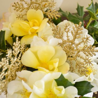 HolidayFlowerArrangements WhatsUrHomeStory
