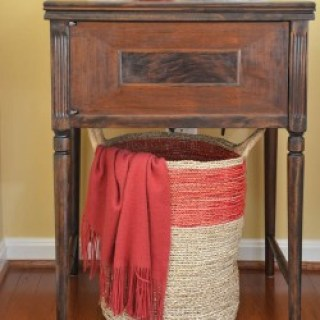 How to give new life to a worn out vintage sewing machine table