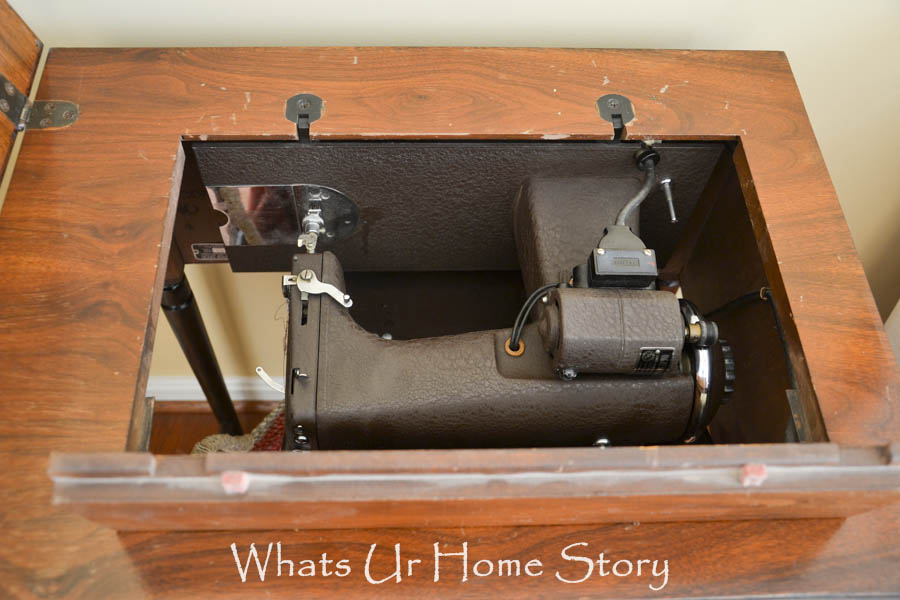 Vintage Sewing Machine Table Makeover