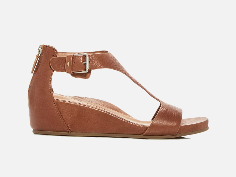 Gentle Souls by Kenneth Cole Women's Gisele Leather Platform Wedge Sandals.