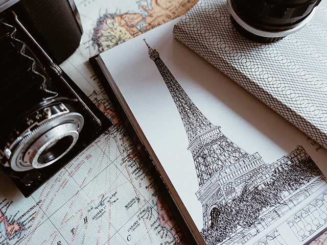 Drawing of the Eiffel Tower.
