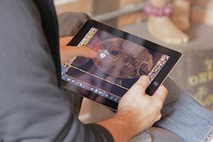photo of someone playing Baldurs Gate on the iPad