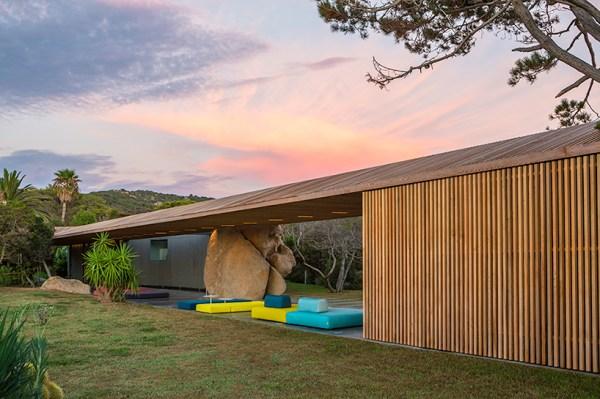 Maison H2, Corsica