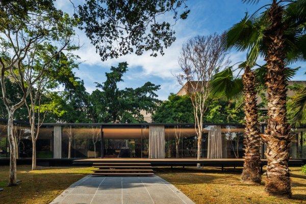 C.J. House, São Paulo
