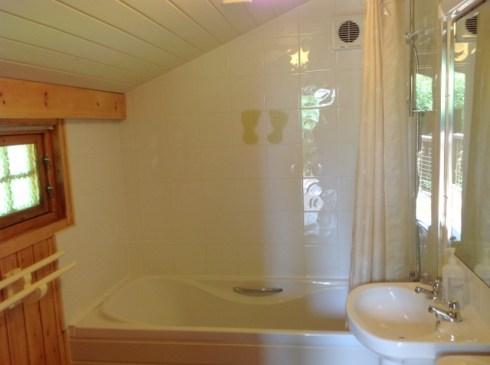 Beech Eco Lodge Bathroom