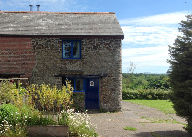 Otter cottage Wheatland Farm Devon june15640w