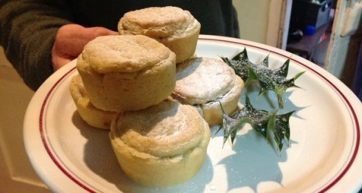 Wheatland Farm, mince pies at Christmas