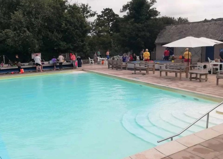 Chagford Open Air Swimming Pool, 13 miles from Wheatland Farm