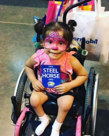girl-in-pink-at-the-abilities-expo
