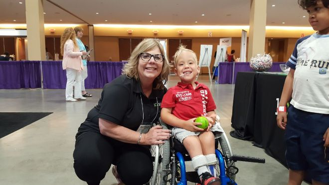 abilities-expo-debra-and-kid