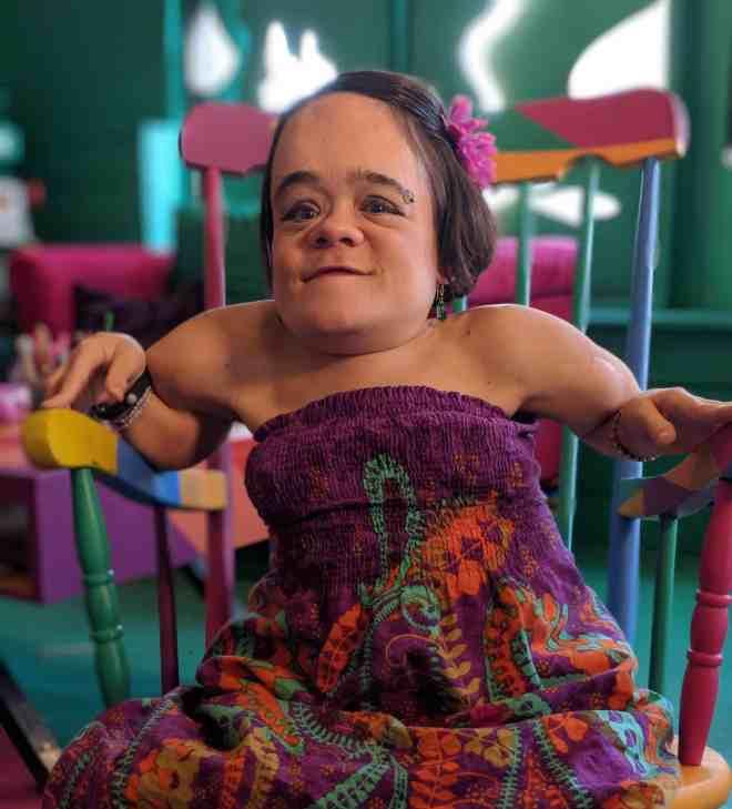 gaelynn-lea-purple-dress